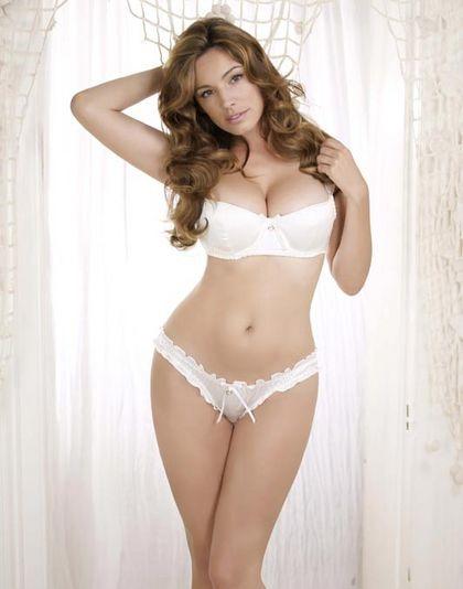 Elena Morali Calendario.Il Calendario 2012 Sexy Di Kelly Brook Nel Gossip